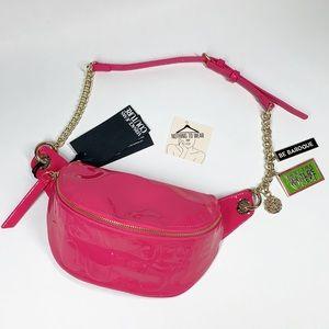 ⭕️ VERSACE JEANS Belt Bag Pink Chain Gold